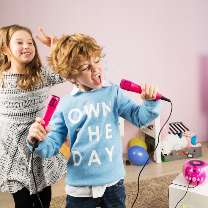 SingSing pinkki + Dazzl mikrofonisetti karaokelaitteisto mikrofoni LED-valaistus