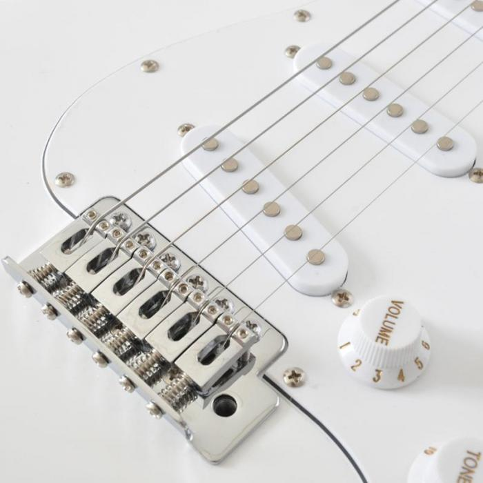 CAL63 Electric Guitar 6-Strings Alder/Maple - White