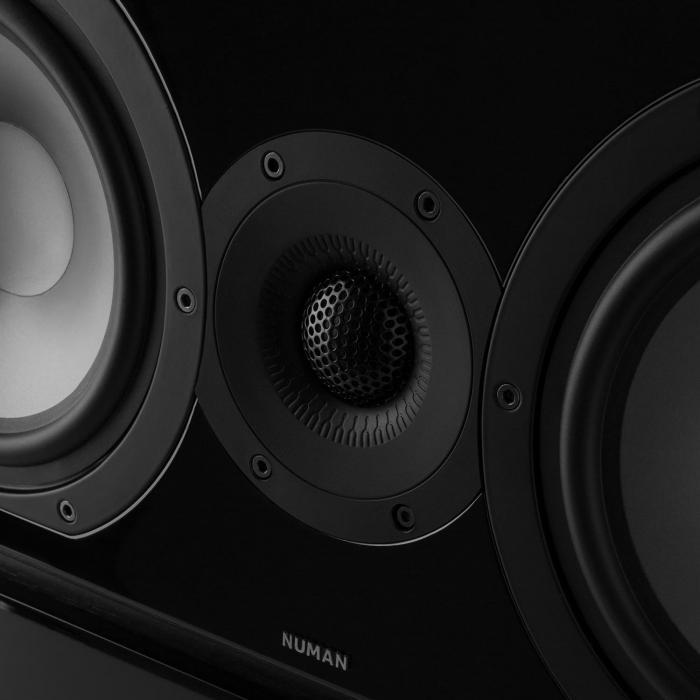 Reference 851 5.1 äänijärjestelmä musta