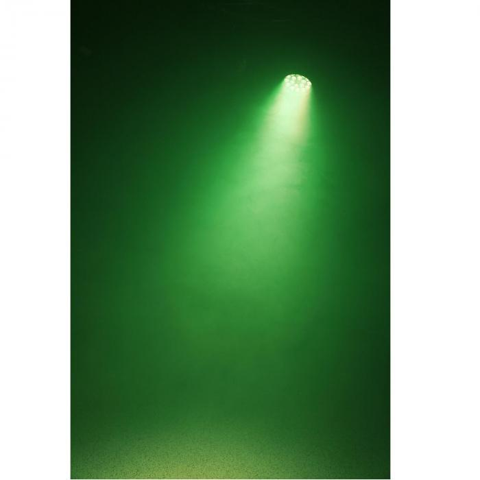 BPP205 Faro LED Par 64 18 x 15W 5-in-1 LEDs con sistema di colore RGBAW UV