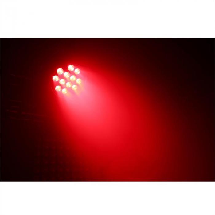 BPP220 Faro LED PAR 64 18 x12W 4-in-1 LEDs Incluso Telecomando