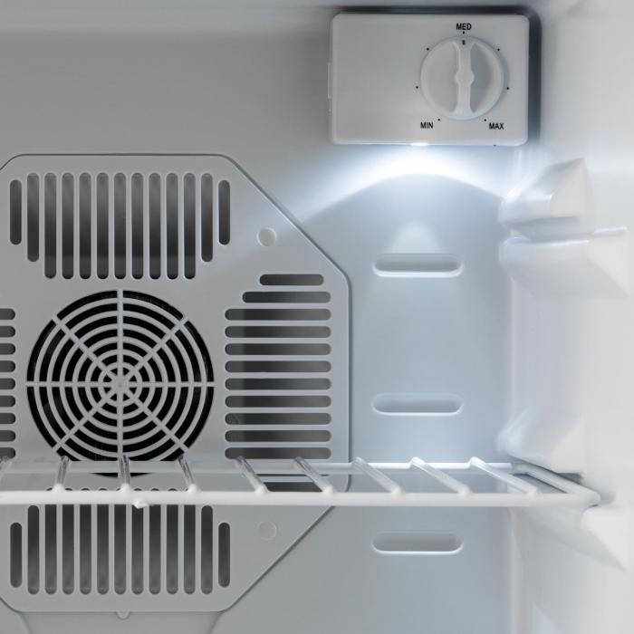 CoolTour juomajääkaappi 48 l 70 W 5-12 °C 35 dB musta